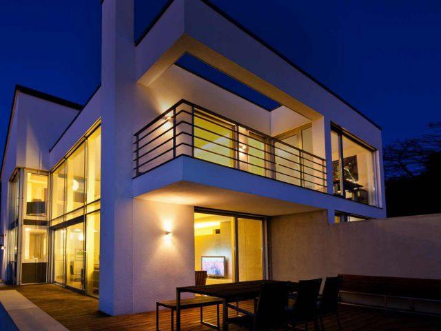 https://domintell.sk/wp-content/uploads/2019/11/smart-home-ekologicke-byvanie-domintell-640x480.jpg